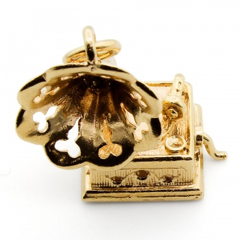 9ct gold Gramophone Charm