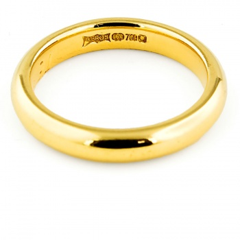 18ct gold 4.5g Band Ring size J