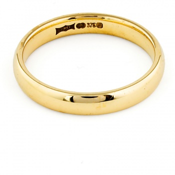 9ct gold 2.6g Band Ring size M