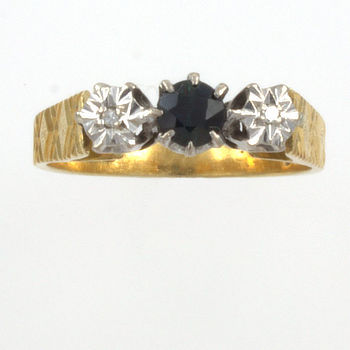 18ct gold Sapphire/Diamond 3 stone Ring size N