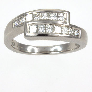 18ct white gold Diamond crossover Ring size L