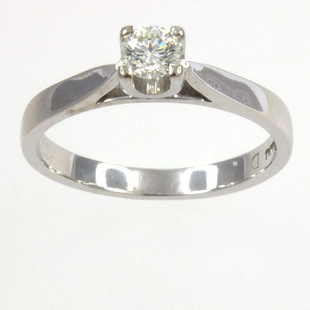 18ct white gold Diamond 20pt Single stone Ring size K