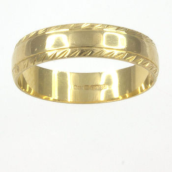 18ct gold Band Ring size N½