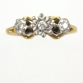 18ct gold Diamond 3 stone Ring size I½