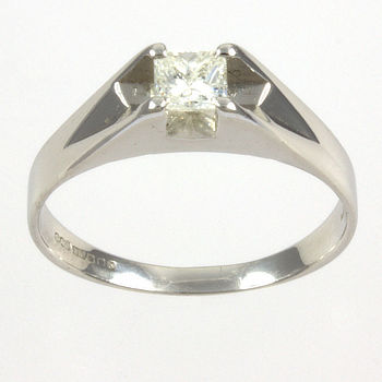 18ct white gold Diamond 30pt Single stone Ring size M