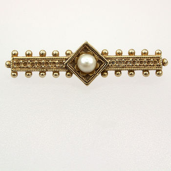 9ct gold Cult Freshwater Pearl Brooch