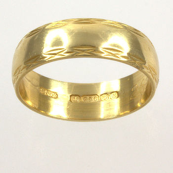 18ct gold Band Ring size O