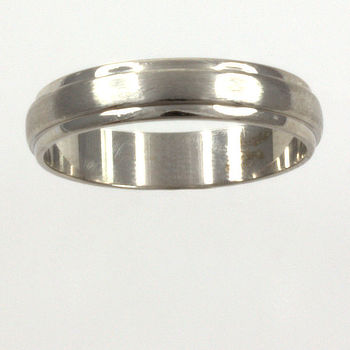 9ct white gold Band Ring size M½