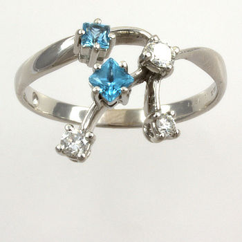 18ct white gold Blue Topaz / Diamond fancy Ring size Q½