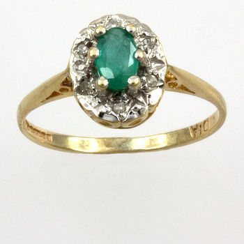 9ct gold Emerald/Diamond Cluster Ring size I