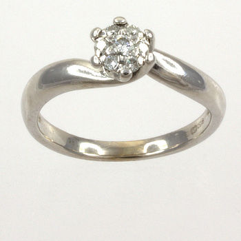 18ct white gold Diamond Cluster Ring size I½