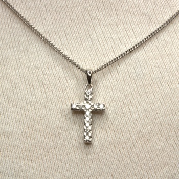 18ct white gold Diamond Cross Pendant with chain