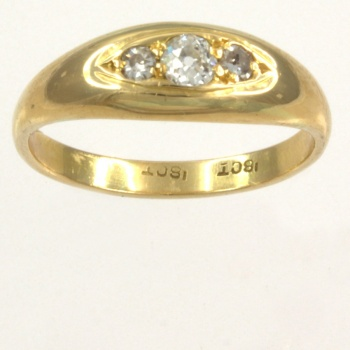 18ct gold Diamond 3 stone Ring size M