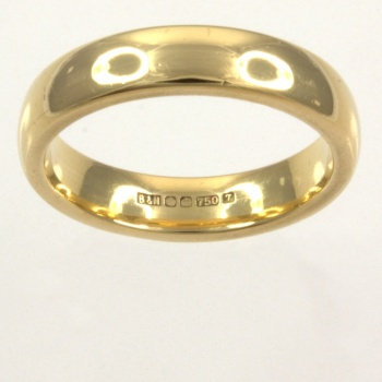18ct gold Band Ring size J½
