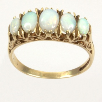 9ct gold Opal 5 stone Ring size R½