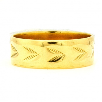 18ct gold 5.9g Band Ring 1977 size V