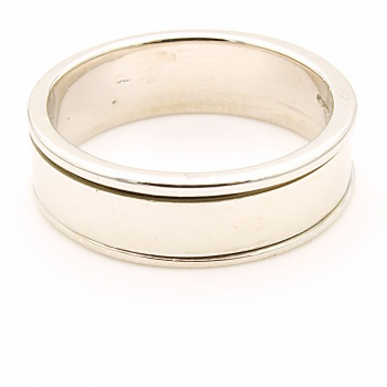 9ct white gold 7g Band Ring size T