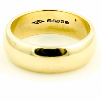 9ct gold 8.1g Band Ring size S