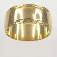 9ct gold Band Ring size Q½