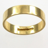 18ct gold 3.0g Band Ring size L½