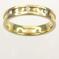 9ct gold Diamond Band Ring size K½