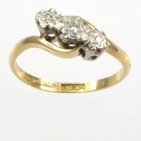 18ct gold Diamond 3 stone Ring size J½