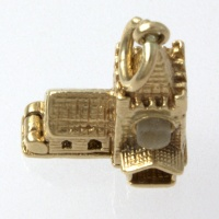 9ct gold 3.2g Charm