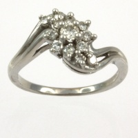 9ct white gold Diamond Cluster Ring size K